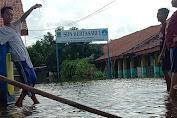 Banjir Rengasdengklok, Sejumlah SD Libur dan Pelayanan Desa Kertasari Terus Berjalan