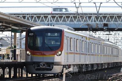 東上線への17000系回送列車