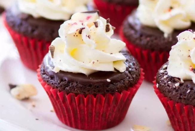 FLOURLESS CHOCOLATE PEPPERMINT CUPCAKES RECIPES