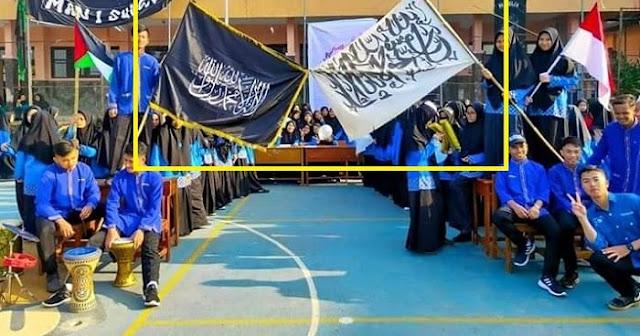 Guru MAN 1 Sukabumi Kecolongan soal Insiden 'Bendera HTI'