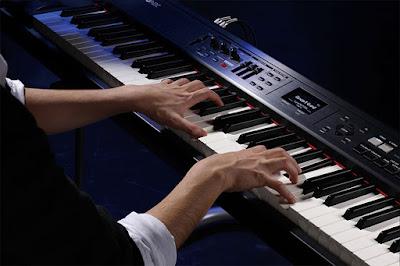 Đàn piano điện Roland RD-700NX hiện nay giá bao nhiêu