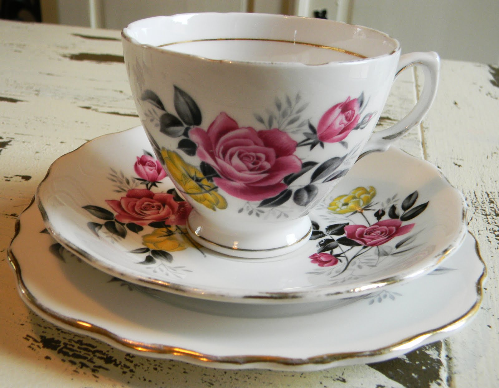 Tea Time is New For Me: Vintage tea cups...British tea or ...