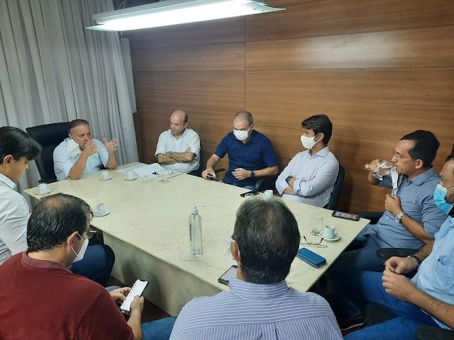 PRESIDENTE DA CÂMARA RECEBE REPRESENTANTES DE BARES, HOTÉIS, RESTAURANTES E SIMILARES