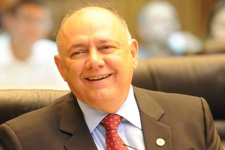 deputado federal José Carlos Schiavinato (PP) morreu vítima da Covid-19, na noite de terça-feira (13). Natural de Iguaraçu, no norte do Paraná, o político foi prefeito de Toledo,