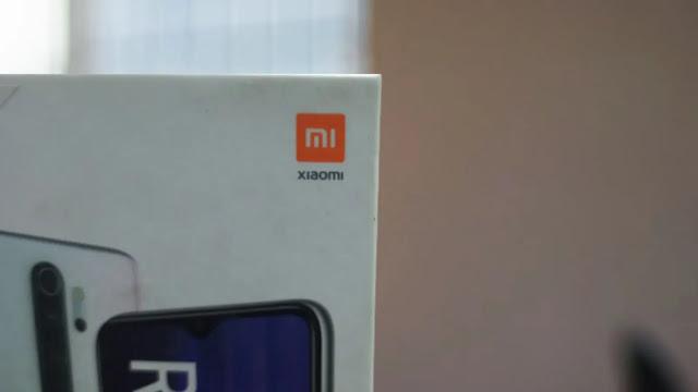 Xiaomi MI retail box