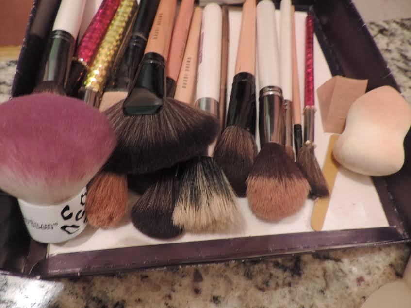 Dicas de como lavar seus pincéis de maquiagem