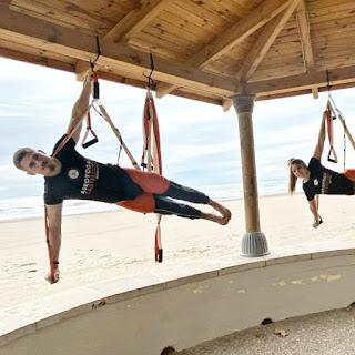 CLASE YOGA AÉREO, CLASE aeroyoga, clase air yoga, yoga aéreo, aeroyoga, air yoga, fly yoga, cursos yoga aéreo, formación yoga aéreo, formación aero yoga, formación aeropilates, pilates aéreo