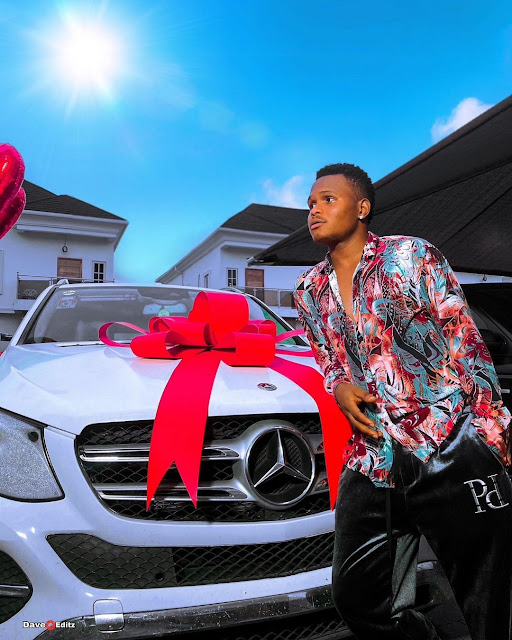 Comedian Oluwadolarz gifts himself a new Mercedes Benz (photos)