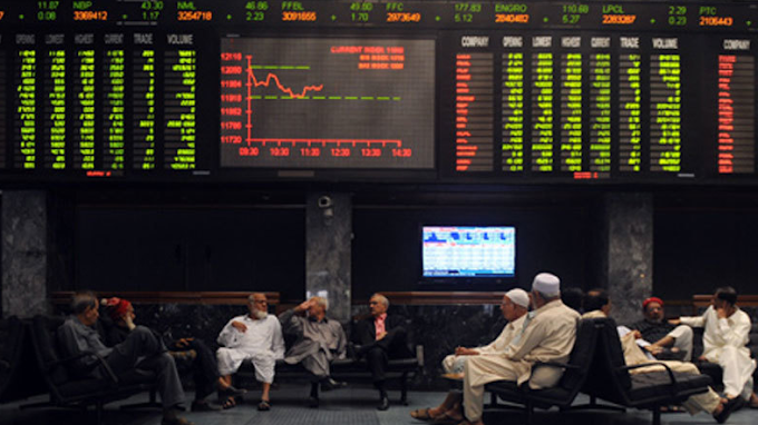 New Year's SE 100 Index Starts Positive with 900 Points.