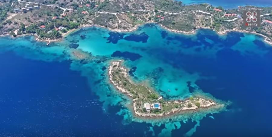 Τα άγνωστα τιρκουάζ νησάκια της Χαλκιδικής που ''μαγεύουν'' (ΒΙΝΤΕΟ)