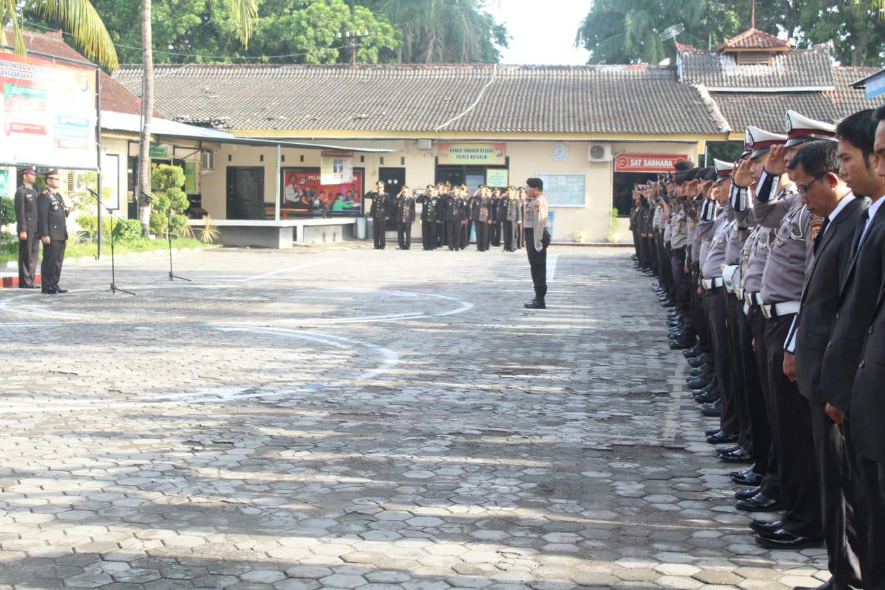 Polres Mataram Gelar Upacara Peringatan Hari Pahlawan
