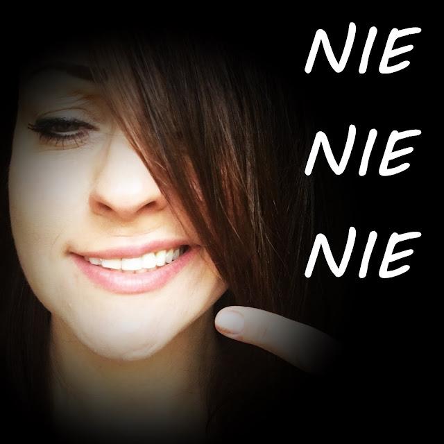 szyderczy uśmiech, złowrogi uśmiech, jak się nie uśmiechać, parodia, paradoks, ładne zęby brzydki uśmiech, blogerka szczecin, lifestyle