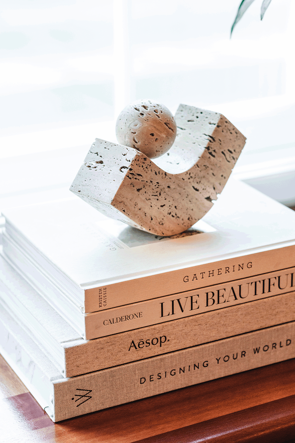 3 Travertine accessories for your home