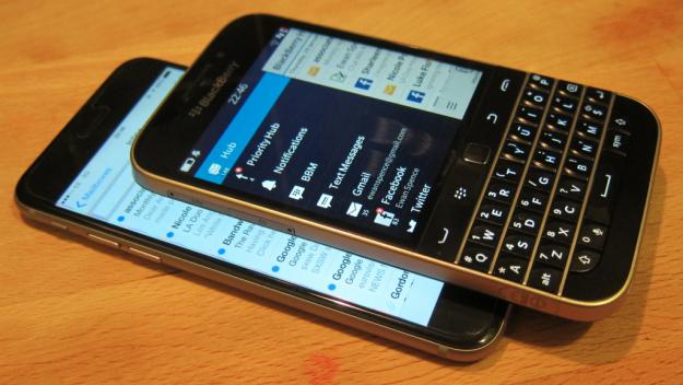 Menggunakan Aplikasi Pihak Ketiga untuk Blackberry