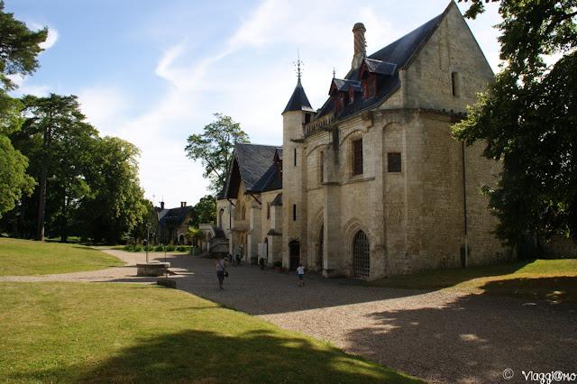 Complesso dell'abbazia con edifici e parco