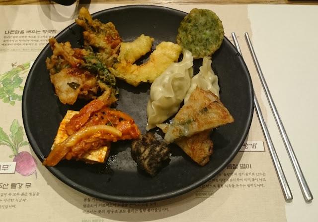 Mein koreanisches Abendessen in Insadong im Season's Market