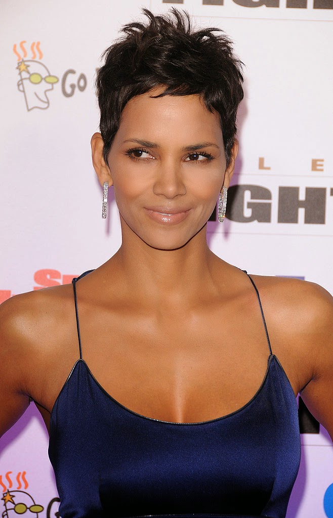 Photo: Halle Berry Reveals How Her Boobs Stay Perky