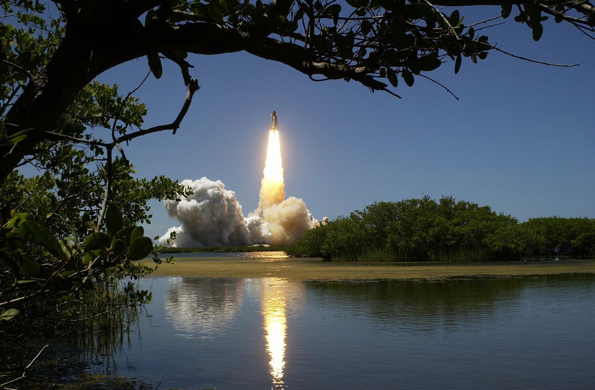 Am kommenden Samstag erreichen vier Astronauten eine Raumstation.