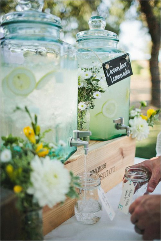 Lavender lemonade an outdoor spring and summer wedding