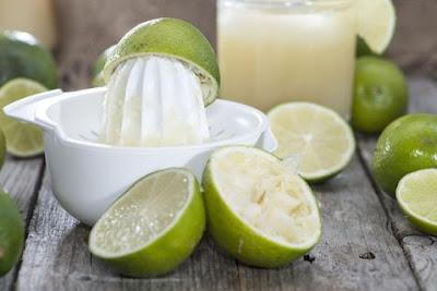 suco de limão para queda de cabelo