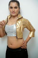 HeyAndhra Actress Pooja Hot Photo Shoot HeyAndhra.com