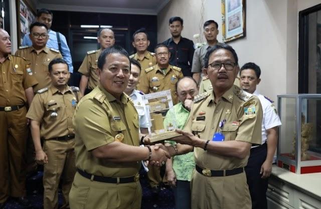 Inilah Hasil Audiensi Bupati Pesibar Dengan Gubernur Lampung