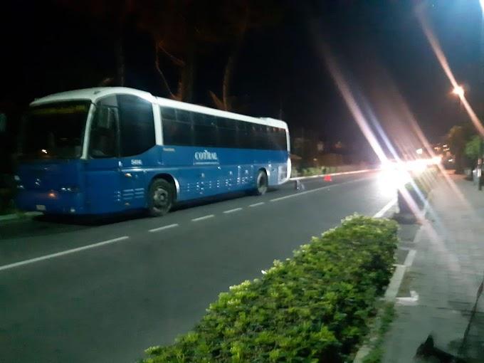 Bus Cotral in fiamme a Santa Marinella