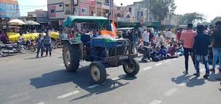 किसान आन्दोलन को कांग्रेस का समर्थन, खलघाट में दो घंटे सांकेतिक चक्का जाम, पुलिस ने किया यातायात डायवर्ट
