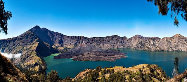 Panorama Gunung Rinjani Lombok