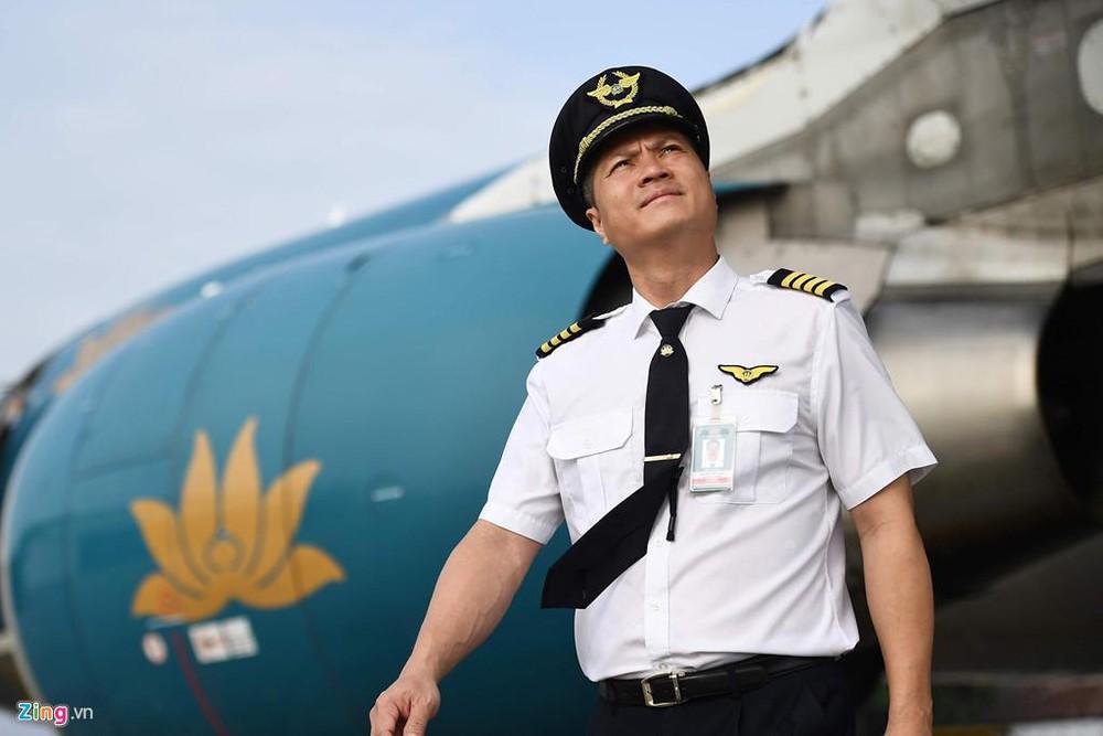 Người phi công được yêu cầu phải chịu được áp lực ở độ cao