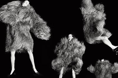 SMILE: Hirschy Grace in Elle UK October 2021 by Tom Schirmacher