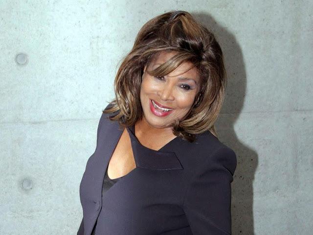 Tina Turner durante la Semana de la Moda femenina de Milán (2011)