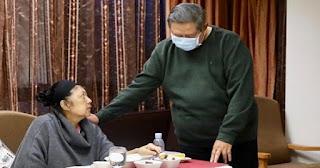 Bikin Haru !! Permintaan Pak SBY Usai Jenazah Ibu Ani Dimasukkan ke Dalam Peti Jenazah