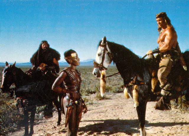 Arnold Schwarzenegger y Grace Jones en el rodaje de Conan el Destructor