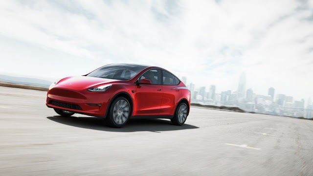 Driver කෙනෙක් අවශ්ය නැති Tesla Autopilot වාහන අසාර්ථක ද?