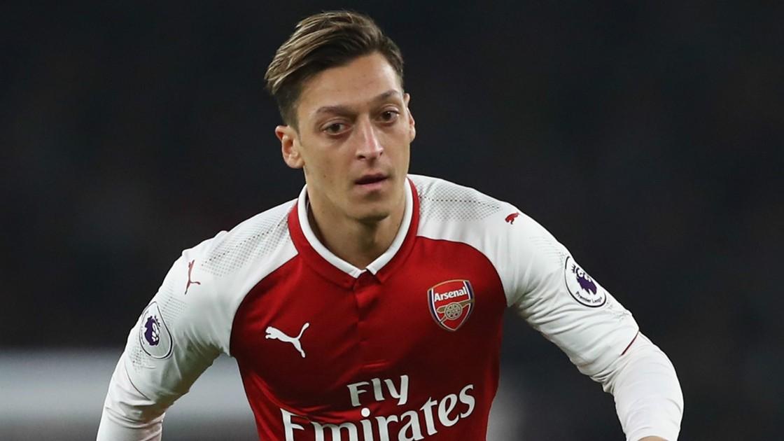 Arsenal-tich-cuc-dam-phan-hop-dong-moi-voi-Ozil
