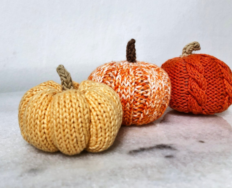 HeartStreet - Elf and Alfs Knitting - Halloween Pumpkin Props