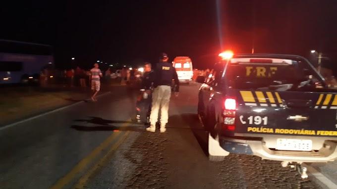 Acidente deixa homem morto e três feridos na BR-116; família voltava de culto