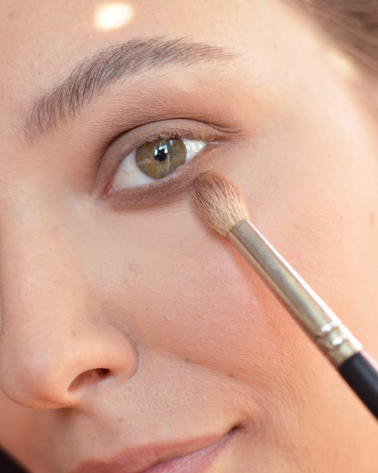 makijaż w stylu lat 90