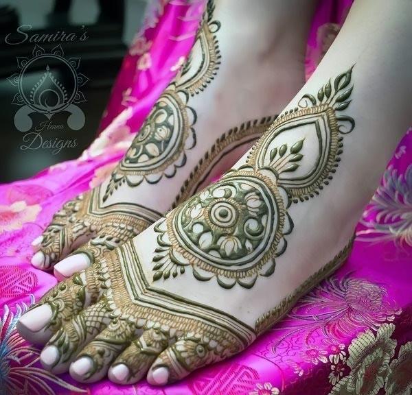 Indian-Beautiful-Semi-Bridal-Mehndi-Design-with-Lotus-Motifs