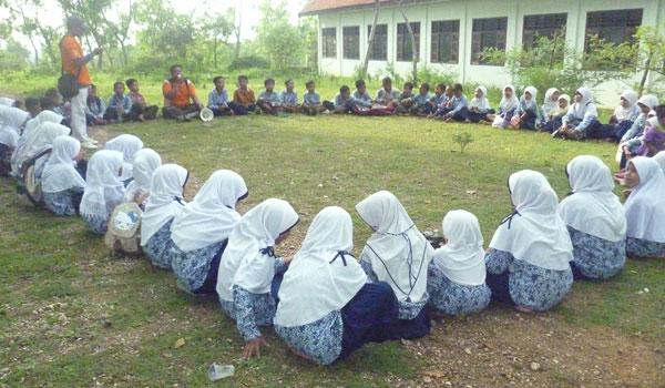 Seputar Pengembangan Kurikulum Madrasah 2013 dan Kebijakan Kemenag