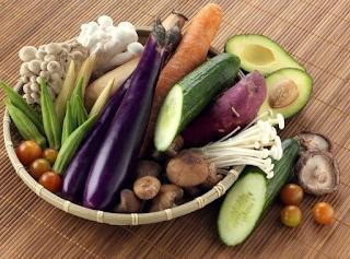 1. Mereka Rajin Memakan Sayur-sayuran