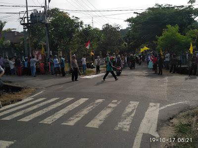 IMG 20171019 082105 - Mahasiswa Dan Masyarakat Boikot Jalan Gunung Amal