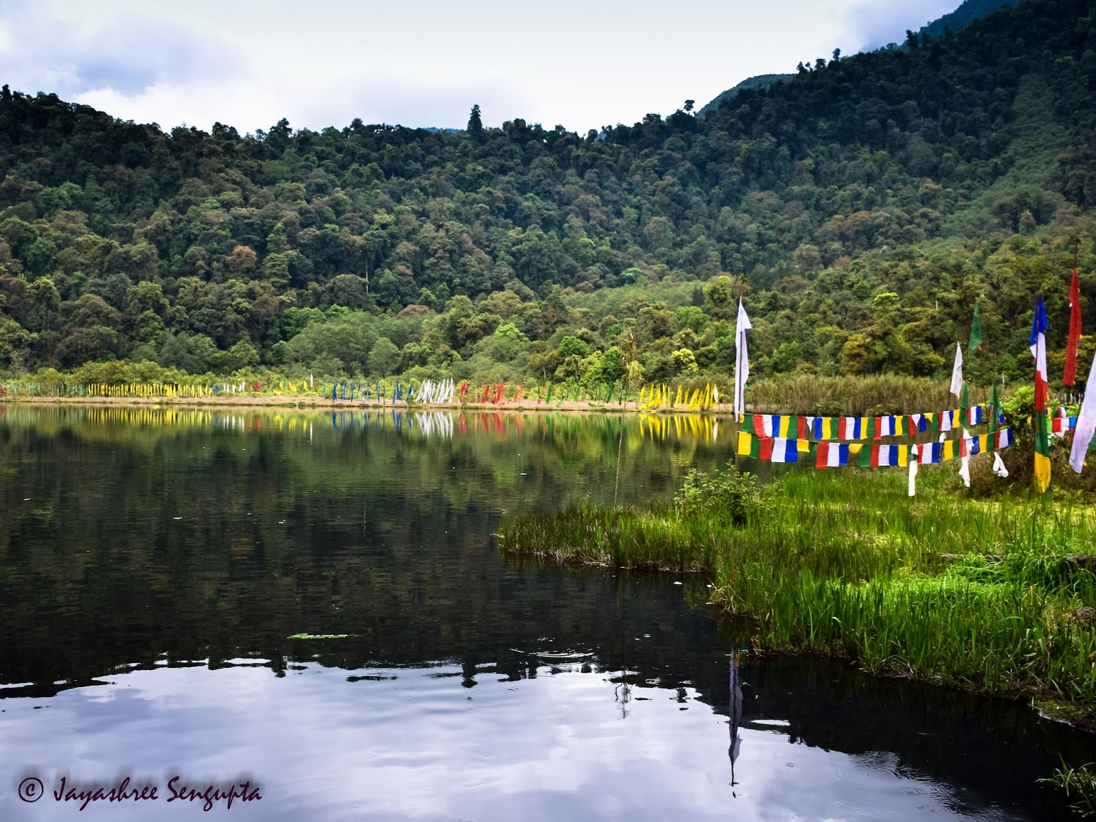 Khecheopalri Lake of Sikkim @DoiBedouin