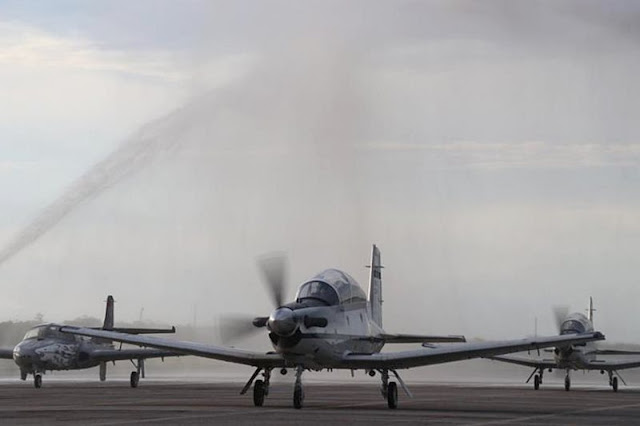 Colombia receives T6C Texan