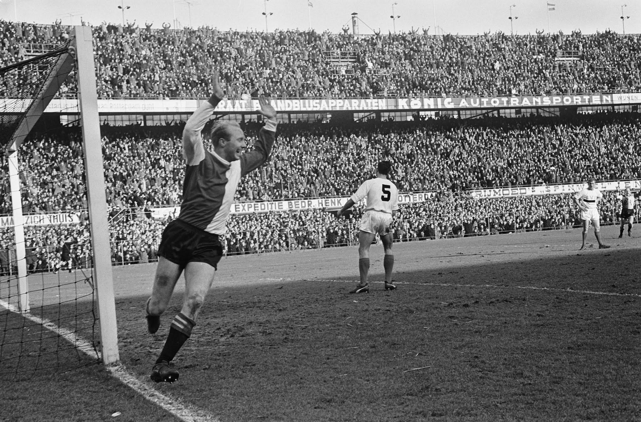 Piet Kruiver (Feyenoord) heeft gescoord