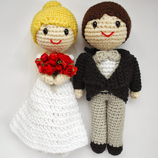 Amigurumi cake topper bride and groom