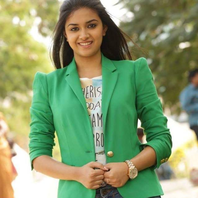 Tamil Hot Actress Keerthi suresh photos