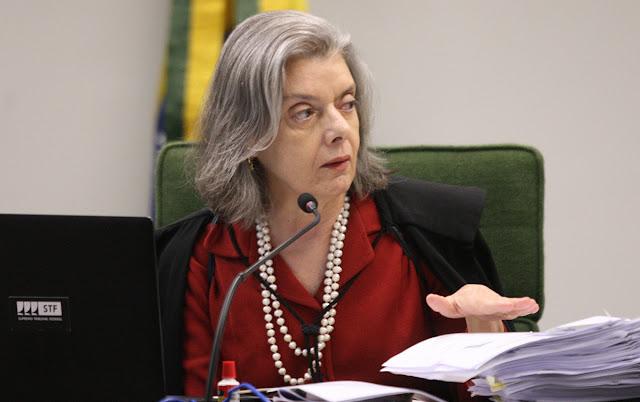 Ministra Carmen Lúcia pede investigação contra Bolsonaro por genocídio