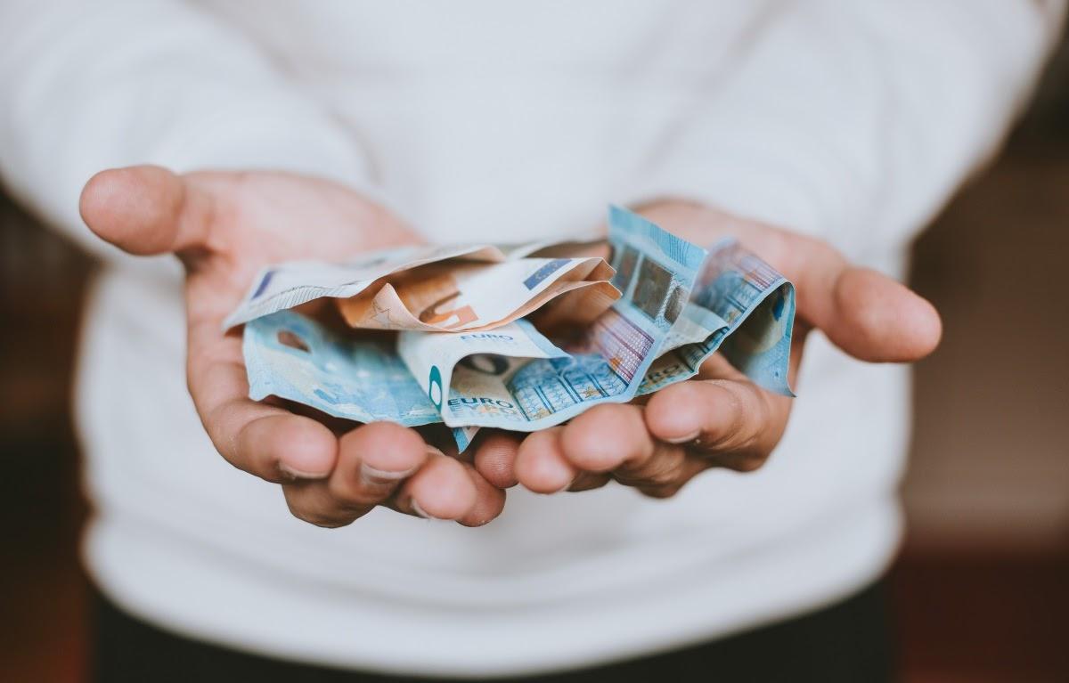 Perhatikan Hal Ini Sebelum Memakai Aplikasi Pinjaman Online